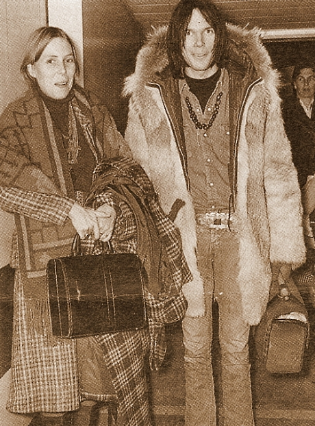 joni mitchell and neil young relationship