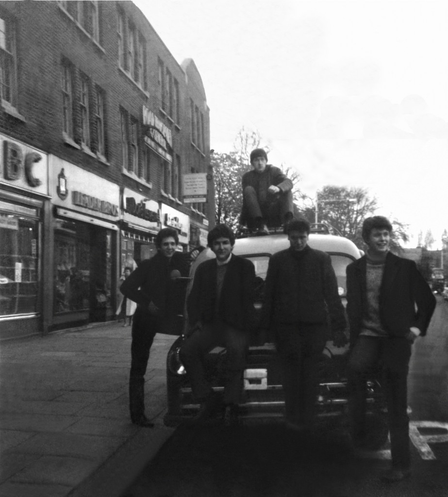 The Second Thoughts early 1964, Mickey Holmes, Patrick Campbell-Lyons, Vic Griffiths (on vehicle), Tony Duhig, Bill Hope